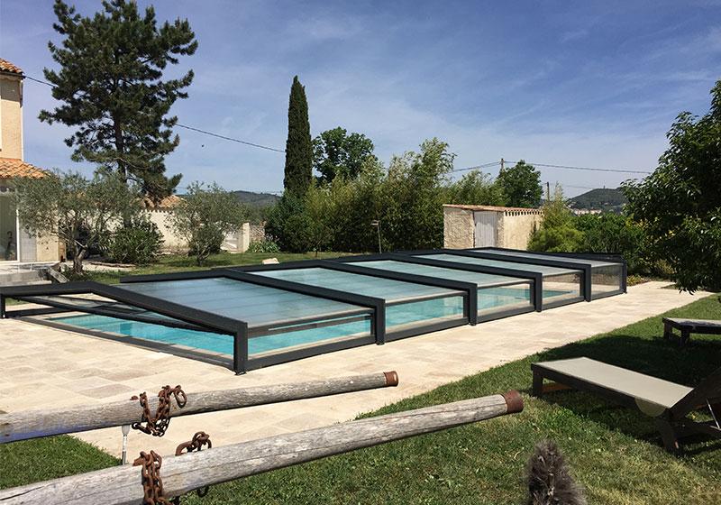 Abri de piscine bat sur Aqua piscine